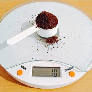 コーヒー粉とスケール